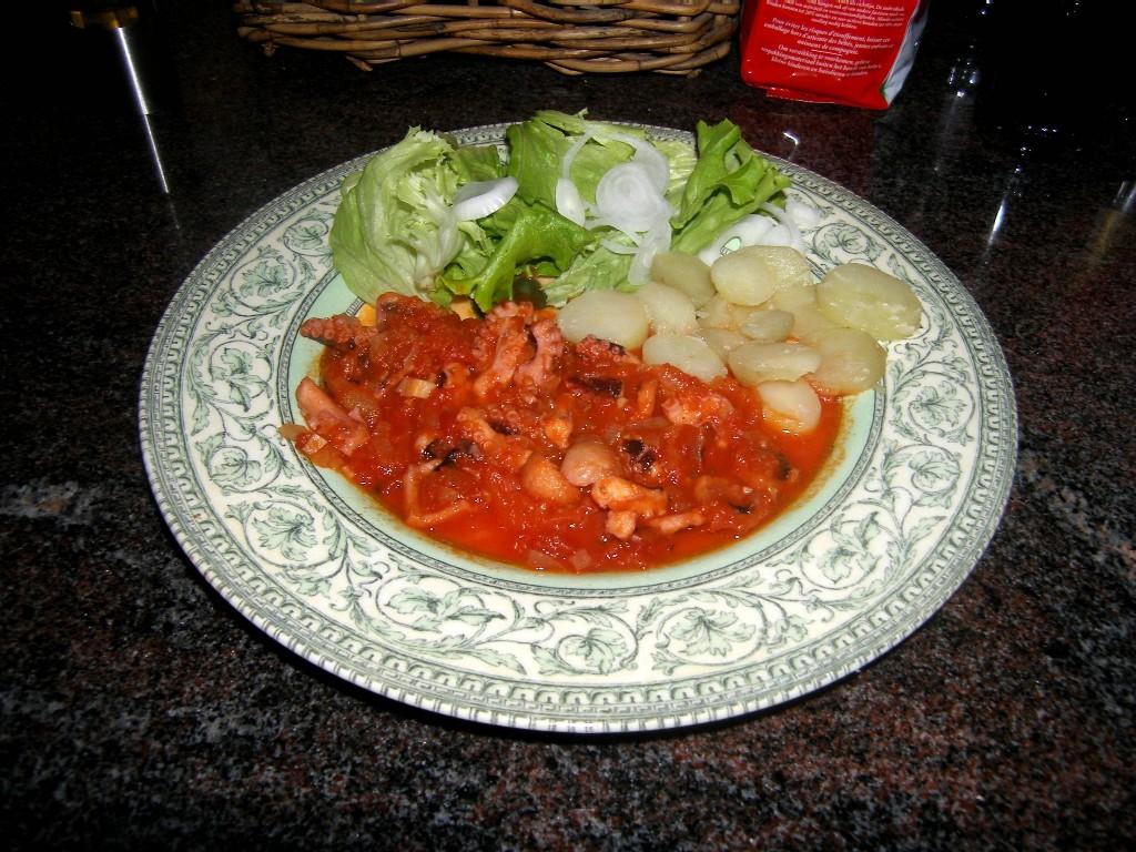 salade de poulpe la grecque rapide la recette du dredi. Black Bedroom Furniture Sets. Home Design Ideas