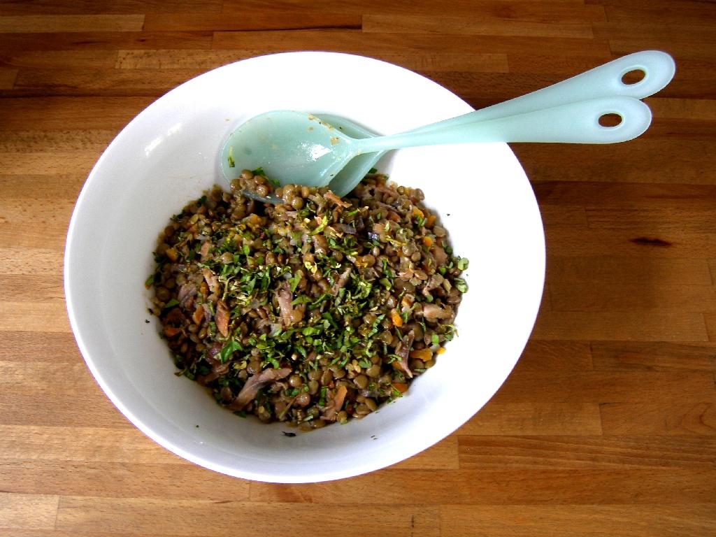 Salade tiède de lentilles aux harengs et au basilic.