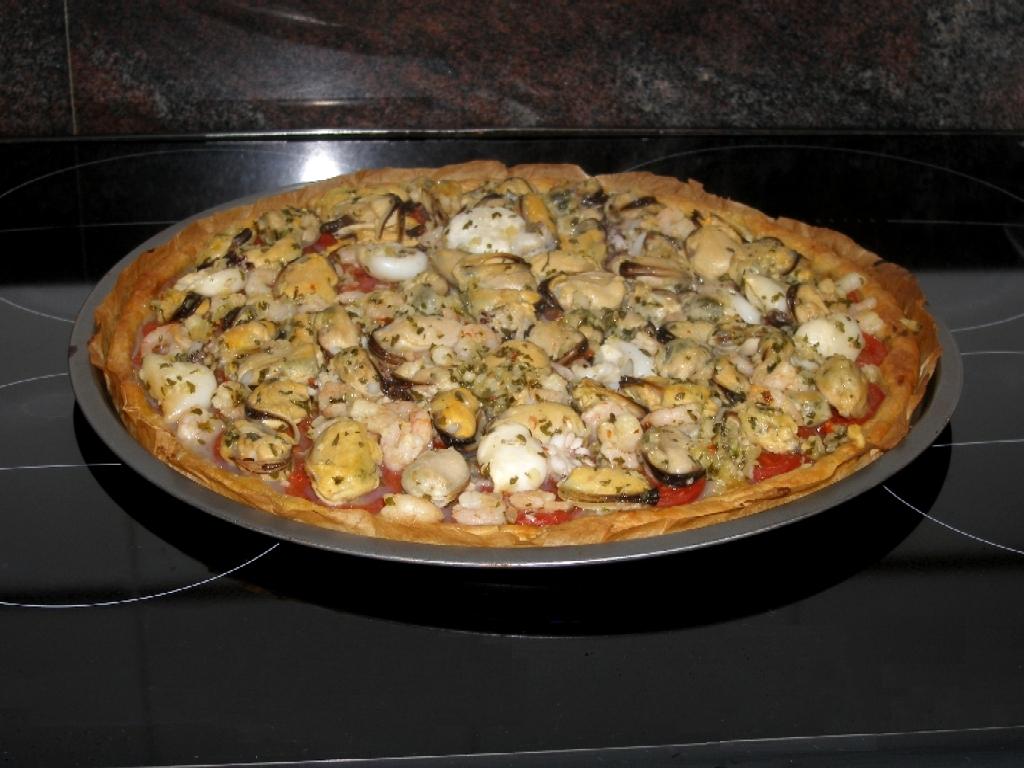 Tarte aux fruits de mer, façon pizza.
