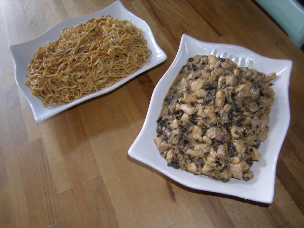 Sauté de viandes aux nouilles chinoises