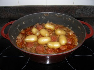Et pour finir, pommes de terre et tranches de saucisse fumée et épicée !