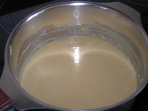 Et voilà la crème de vieux cheddar fondu prête !