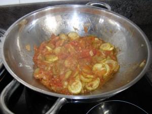 Compotée de tomates et de courgettes au cinq-parfums.