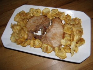 Côtes de porc cinq-parfums aux tortellini.