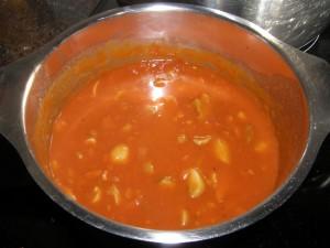 ... puis les champignons, et c'est fini pour la sauce : on la réserve sur le coin du feu !