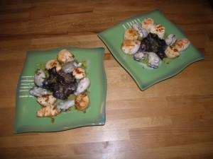 Et deux assiettes d'huîtres tièdes de saint Jacques, deux !