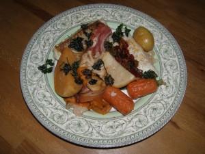 Filets de cabillaud poêlés, légumes rôtis et persil frit.
