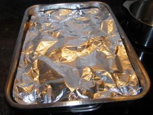 Couvrir de papier aluminium pour laisser continuer à cuire doucement, hors du four.