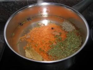 Court-bouillon avec ses ingrédients...