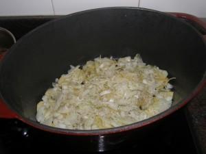 ...puis la moitié des oignons, pincées de sel, de poivre et de thym...