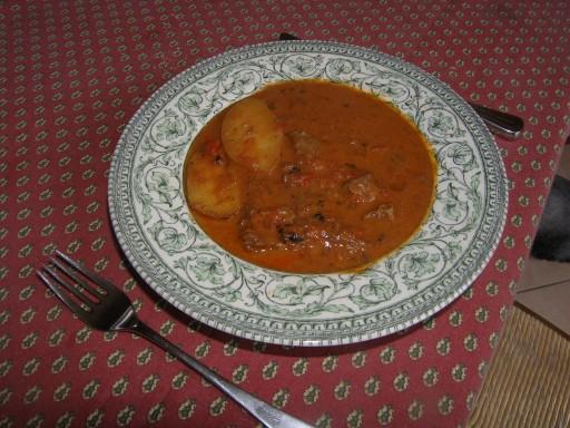 Goulasch de b uf marhapaprik s la recette du dredi - Boeuf bourguignon cocotte minute seb ...